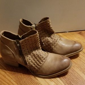 Vintage Woven leather ankle Bootie- Splendid